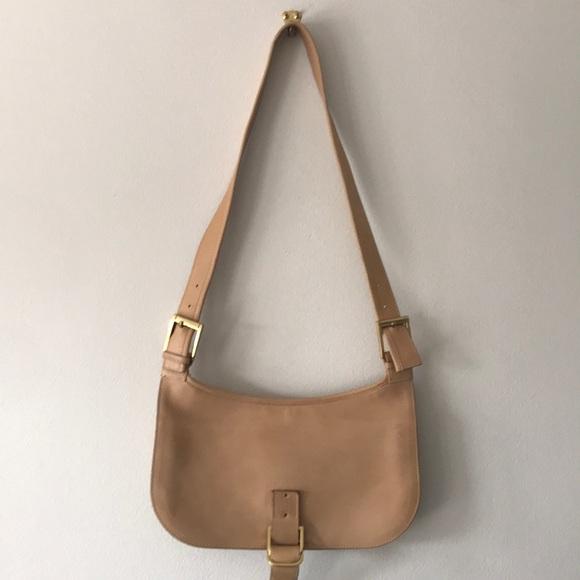 6fbc9c7da9801 Gucci Handbags - FLASH SALE Vintage Gucci Handbag
